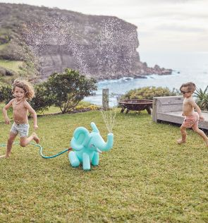 Sunny Life Inflatable Sprinkler Elephant