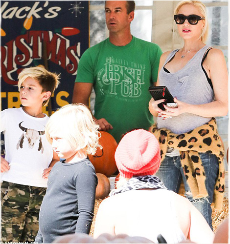 Kingston Rossdale Wears Sunuva Buffalo T-shirt